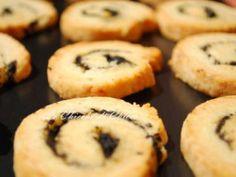 Ricetta Biscotti parmigiano limone e olive nere