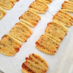 Italiaanse Kaaszoutjes - I am Cooking with Love Tapas, Dutch Recipes, Italian Recipes, Snacks, Snack Recipes, Homemade Biscuits From Scratch, Food Porn, Savoury Baking, Savoury Biscuits
