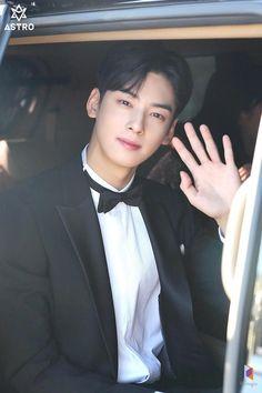 [Naver Update] Cha Eunwoo = Do Kyungsuk Cha Eun Woo, Cha Eunwoo Astro, Ideal Boyfriend, Lee Dong Min, Dance Legend, Fandom, Debut Album, Minhyuk, Actor Model