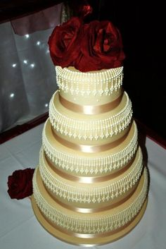 Hand Piped Wedding Cake (9/4/2012)  View cake details here: http://cakesdecor.com/cakes/27557