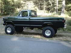 1969 Ford Regular Cab Specs, Photos, Modification Info at CarDomain 79 Ford Truck, Old Pickup Trucks, Ford 4x4, Lifted Ford Trucks, Cool Trucks, Big Trucks, Farm Trucks, Classic Ford Trucks, Ford F Series