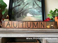FREE Autumn Wood Sign Printable Craft DIY. Great for Thanksgiving and Fall decor or a quick gift!