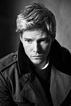 Hunter Parrish @Sara Tuttle. everytime i see him, i think of our love for him. hahaha.