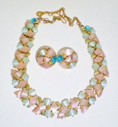 Vintage-Signed-Coro-Pink-Blue-Necklace-Earrings-Thermoset-Set-Bridal-Jewelry