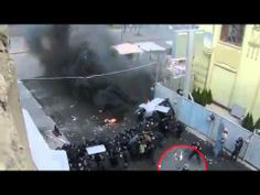 Kill people!!!  Supporters of the new Ukrainian government shoot at prot...
