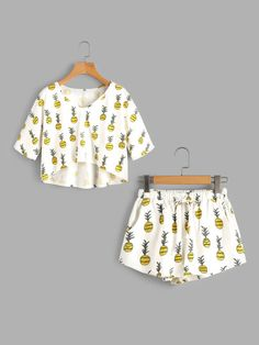 Allover Pineapple Print High Low Tee And Shorts Pajama Set – Mode für Frauen Pajama Outfits, Crop Top Outfits, Pajama Shorts, Cute Lazy Outfits, Kids Outfits, Casual Outfits, Fashion Outfits, Hipster School Outfits, Cute Pajama Sets