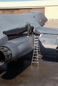 B-2 Bomber maintainence  (Military Aviation)