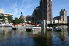 Riverwalk Boats Tours.in Milwaukee