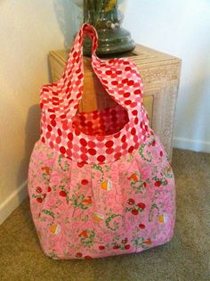 Here is that large Tote in Spring Colors, take to park with baby, Swing to School, or just for fun