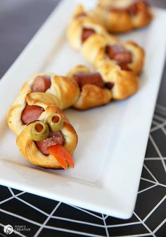 Rattlesnake Bite Hot Dog Appetizers | Easy Halloween Food ideas and appetizers on TodaysCreativeLife.com