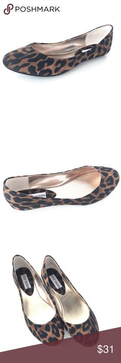 Steve Madden Cheetah Ballet Flats Animal Print Sz8 Super cute Steve Madden Cheetah Print Ballet Flats, with perfect fall colors. Size 8; tried on Fabric upper Animal print Semi Pointed toe Slip-on design Excellent condition with no damages No creasing A few minor scuffs on interior sole only Steve Madden Shoes Flats & Loafers