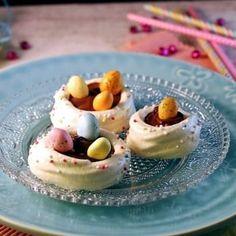 Nids de Pâques en meringues et chocolat