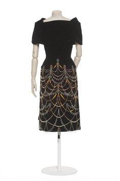 Dress Cristobal Balenciaga, 1953 Les Arts Décoratifs