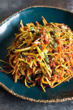 Quick and easy carrot salad with toasted walnuts, currants, and a savory curry vinaigrette. Healthy Salad Recipes, Raw Food Recipes, Indian Food Recipes, Vegetarian Recipes, Dinner Recipes, Cooking Recipes, Ethnic Recipes, Carrot Salad Recipes, Vegan Desserts