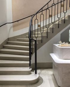 Inventive Staircase Design Tips for the Home – Voyage Afield Staircase Handrail, Winding Staircase, Stair Railing, Railings, Staircase Diy, Banisters, Metal Stairs, Concrete Stairs, House Paint Interior