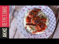 Greek Meatballs (Soutzoukakia) by Greek chef Akis Petretzikis. An traditional Greek dish with extremely aromatic meatballs full of rich spices in tomato sauce! Greek Recipes, Pork Recipes, Cypriot Food, Greek Meatballs, Greek Cooking, Greek Dishes, Everyday Food, Mediterranean Recipes, International Recipes