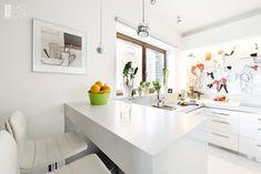 Znalezione obrazy dla zapytania mała kuchnia biała