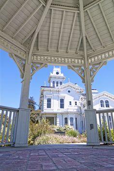 California -- Alameda County -- Hayward -- Meek Mansion (built 1869)