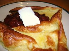 Vaniljainen pannukakku Finnish Recipes, Pastry Cake, Pancakes, French Toast, Baking, Eat, Breakfast, Desserts, Food