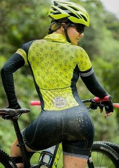 As a beginner mountain cyclist, it is quite natural for you to get a bit overloaded with all the mtb devices that you see in a bike shop or shop. There are numerous types of mountain bike accessori… Women's Cycling, Cycling Wear, Cycling Girls, Cycling Outfit, Bicycle Women, Bicycle Girl, Radler, Cycle Chic, Sporty Girls