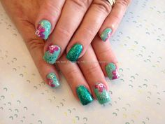 Acrylic+overlay+with+green+polish+and+one+stroke+flowers