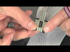 2103-1 Leslie Rogalski demonstrates: bead weaving on a loom | Beads . Baubles & Jewels