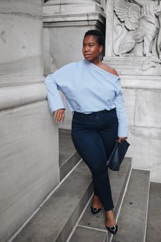 Zara is now offering up to size XXL in-store and online. A review of one of the off-the-shoulder shirts they offer in this size range.