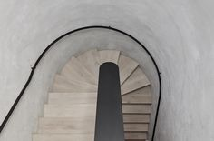 Image 19 of 23 from gallery of Canterbury Road Residence / B.E Architecture. Photograph by Peter Clarke Stairs Architecture, Architecture Details, Interior Architecture, Interior Design, Interior Styling, Canterbury, Home Decoracion, Interior Stairs, Stairway To Heaven