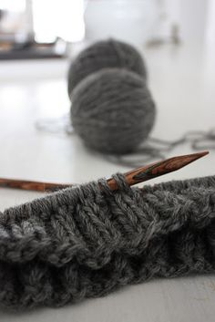 knitting -the simple beauty of sticks and string