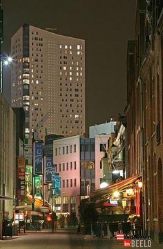 Dommelstraat kijkend naar de Admirant woontoren