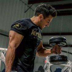 ALPHA HITS THE GYM!!! Alpha Fitness kläder för män i butiken nu Link i bio  #gym #fitness #fitnesskläder #bodybuilding #lyftatyngder #abs #biceps #personligtränare #sats #motivation #gymselfie #gympic #toned #torso # FitnessFashionTrends #fridayworkout #outfit #gymet #göteborg #borås #stockholm #sthlm #pin #twitter
