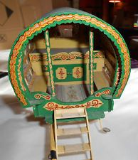 ESTATE / RARE  Gorgeous fair /GYPSY  WOODEN doll  house Caravan