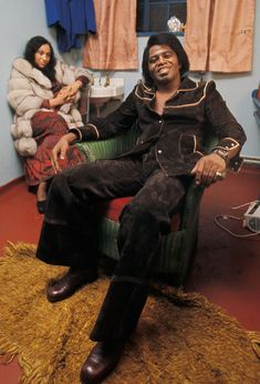 From James Brown to Nirvana, these photos range from the swinging and counterculture revolution of the to the musical zenith that was the and the experimental boldness of the James Brown, 60s Music, Music Icon, Soul Music, Soul Jazz, Soul Funk, Party Animals, Popular Music Artists, Divas