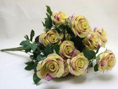 Pugét růží, umělá květinová dekorace, žluto-fialová
