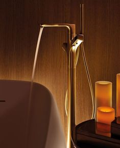 Spa at Four Seasons Milano is furnish with wood, cream and grey design elements. Spanish designer Patricia Urquiola has chosen Hansgrohe showers and mixers to decorate luxurious treatment rooms. Faucets have been customized for the Four Seasons with a special finish brushed gold.