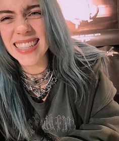 How Well Do you Know Billie Eilish? How Well Do you Know Billie Eilish? Billie Eilish, Pretty People, Beautiful People, Quotes Pink, 3 4 Face, Fangirl, Videos Instagram, Album Cover, Grunge Hair