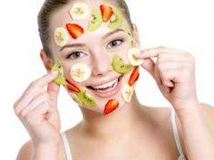 Aveti pielea foarte uscata? Incercati aceste 5 masti naturale pentru ten uscat ce va garanteaza o piele hidratata si stralucitoare.