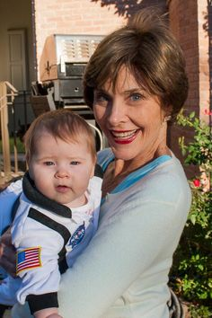 The first-baby-in-space trick or treats with this darling.Jenna's baby Mila with grandma Laura Bush.Laura looks great! Jenna Bush, Laura Bush, Barbara Bush, Presidents Wives, Greatest Presidents, American Presidents, George Bush Family, First Lady Of America, First Daughter
