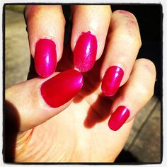 Rayons nails today. Show me urs girlz! ;) http://instagr.am/p/SyE-9zTBRj/
