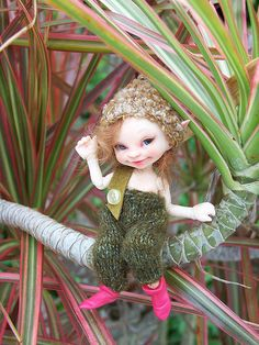 My Merry (realpuki soso) having his usual blast of fun in Florida. Mermaid Fairy, Baby Fairy, Beautiful Fairies, Beautiful Dolls, Magical Creatures, Fantasy Creatures, Elf Doll, Fairy Crafts, Clay Fairies