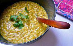 Kichadi - mung bean and brown rice stew Healthy Soup Recipes, Great Recipes, Vegetarian Recipes, Cooking Recipes, Vegetarian Chicken, Chicken Soup, Ayurvedic Diet, Ayurvedic Recipes, Salud Natural