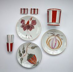 Idées & Compositions | Marie Daâge China Patterns, Flower Patterns, China Painting, China Dinnerware, Vases, Composition, Ceramic Pottery, Stoneware, Mosaic