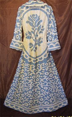 VINTAGE CHENILLE Robe Beautifully made from vintage bed spread