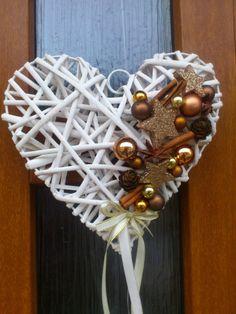 Vánoce.. moje srdeční záležitost srdce sníh vánoce fialová bílá skořice baňky dárky proutí hvězdička bytová dekorace vánoční věnec vánoční dekorace saténová stuha