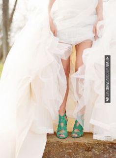 Neato! - Zara. | CHECK OUT MORE GREAT GREEN WEDDING IDEAS AT WEDDINGPINS.NET | #weddings #greenwedding #green #thecolorgreen #events #forweddings #ilovegreen #emerald #spring #bright #pure #love #romance
