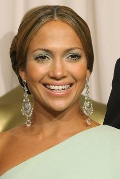 Jennifer Lopez | 14 Before-And-After Photos That Prove Good Eyebrows Can Change Your Entire Face
