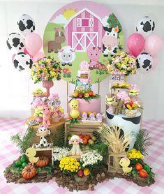 Farm Animal Birthday, Cowboy Birthday, Farm Birthday, Ballon Decorations, Birthday Decorations, Baby Shower Decorations, Cow Birthday Parties, 1st Birthday Girls, Farm Party