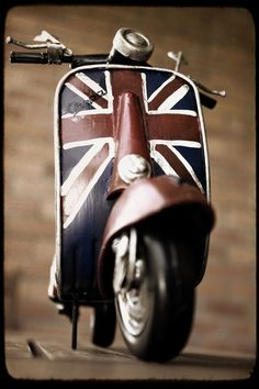 Vespa gadget with british style
