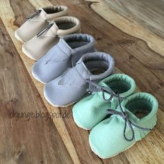Baby Outfits, Kids Outfits, Baby Shoes Pattern, Shoe Pattern, Knit Baby Booties, Crochet Baby Shoes, Baby Girl Shoes, Kid Shoes, Sewing For Kids