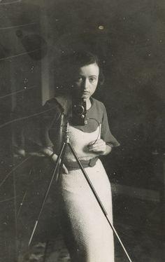 Lore Krüger, Selbstporträt, 1934 - 1944 (Source: last-picture-show)
